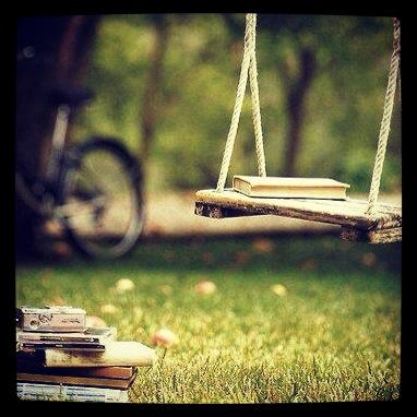 Livre sur balançoire