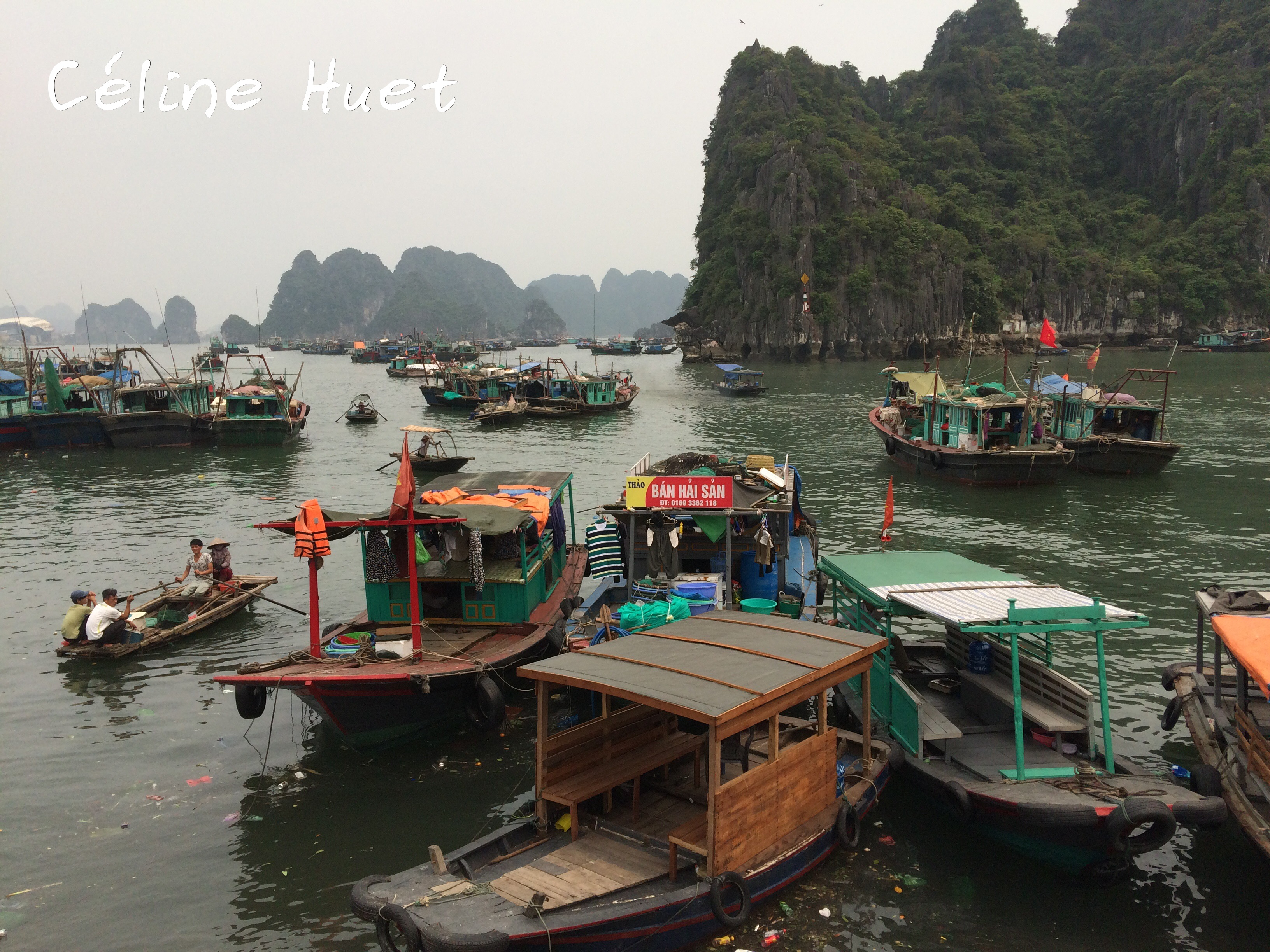 Embarcadère Baie d'Halong Vietnam Asie