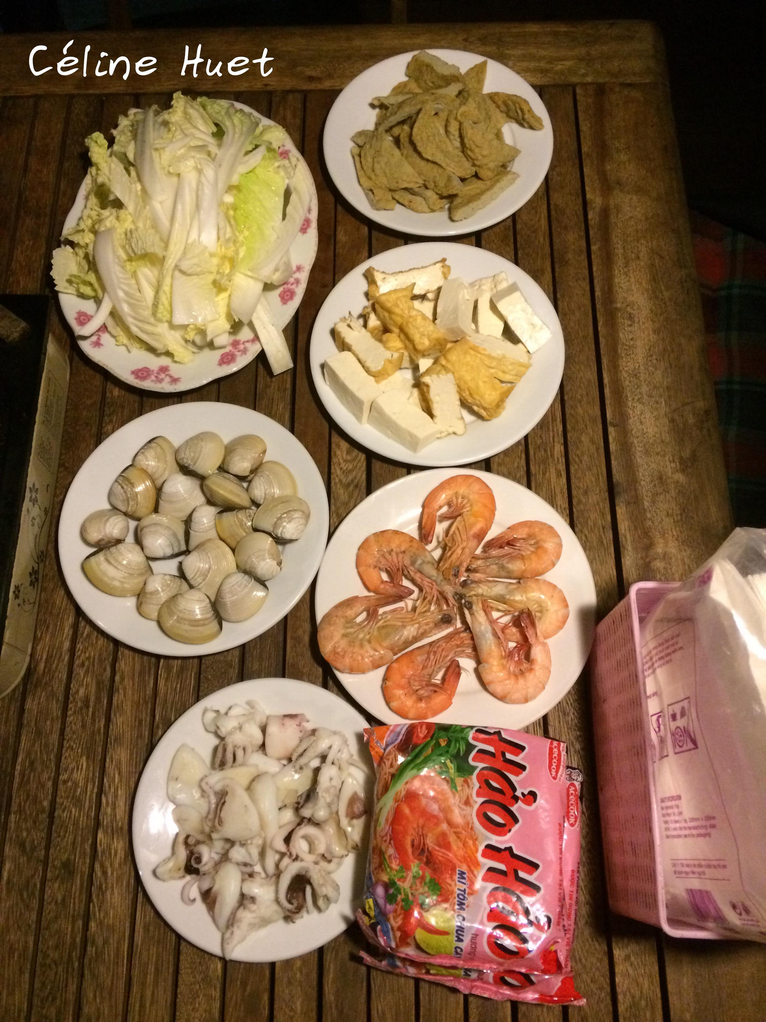 Dîner Jonque traditionnelle Oriental Sun Far Eastour Baie d'Halong Vietnam Asie