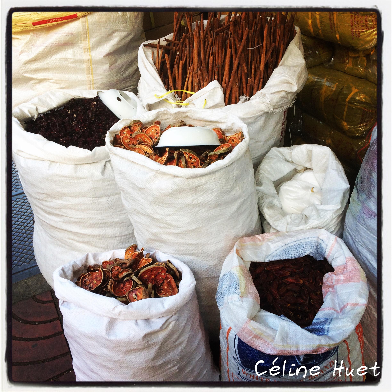 Marchand d'épices dans les rues de Bangkok Thaïlande Asie