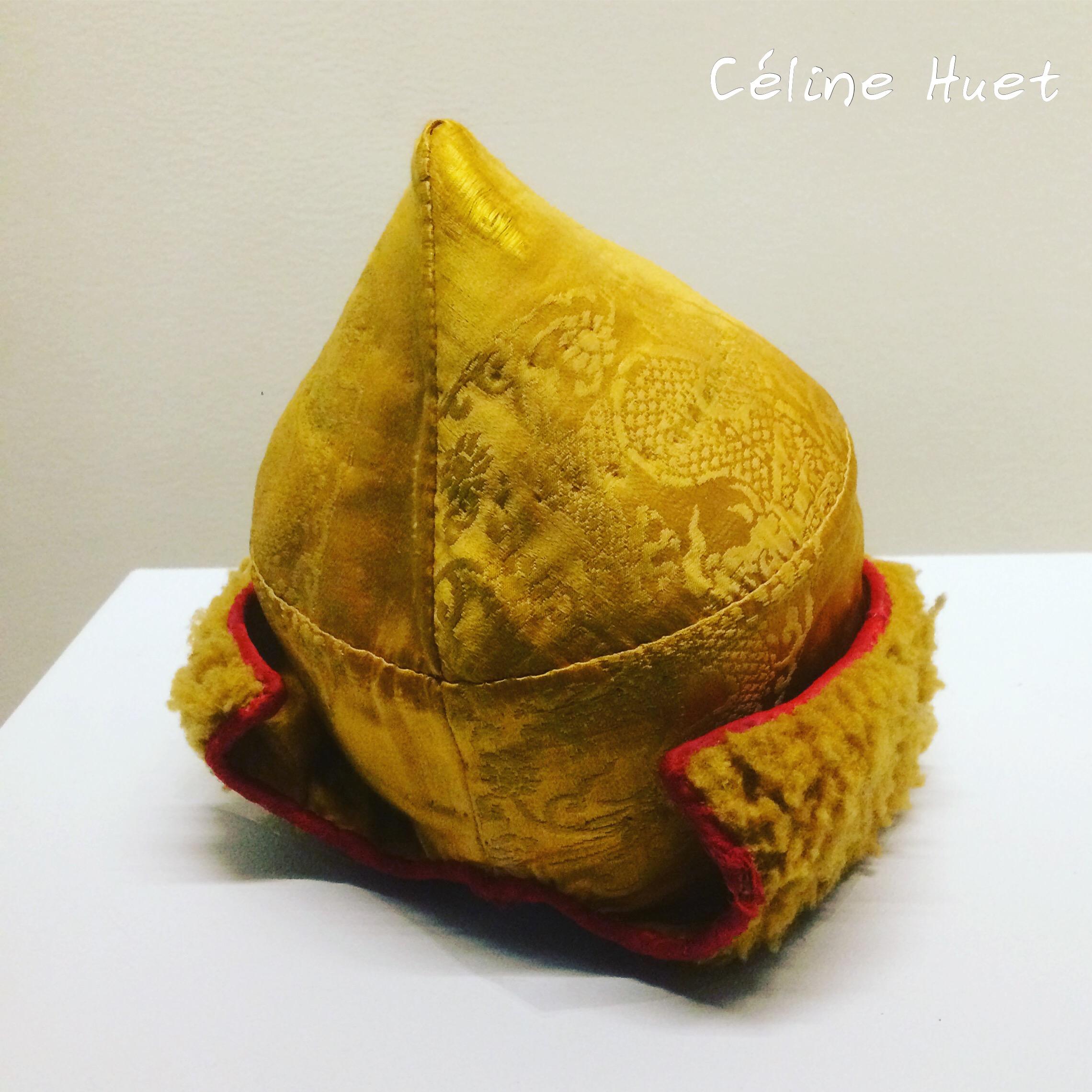 Son bonnet tibétain Exposition Alexandra David-Néel Musée Guimet Paris
