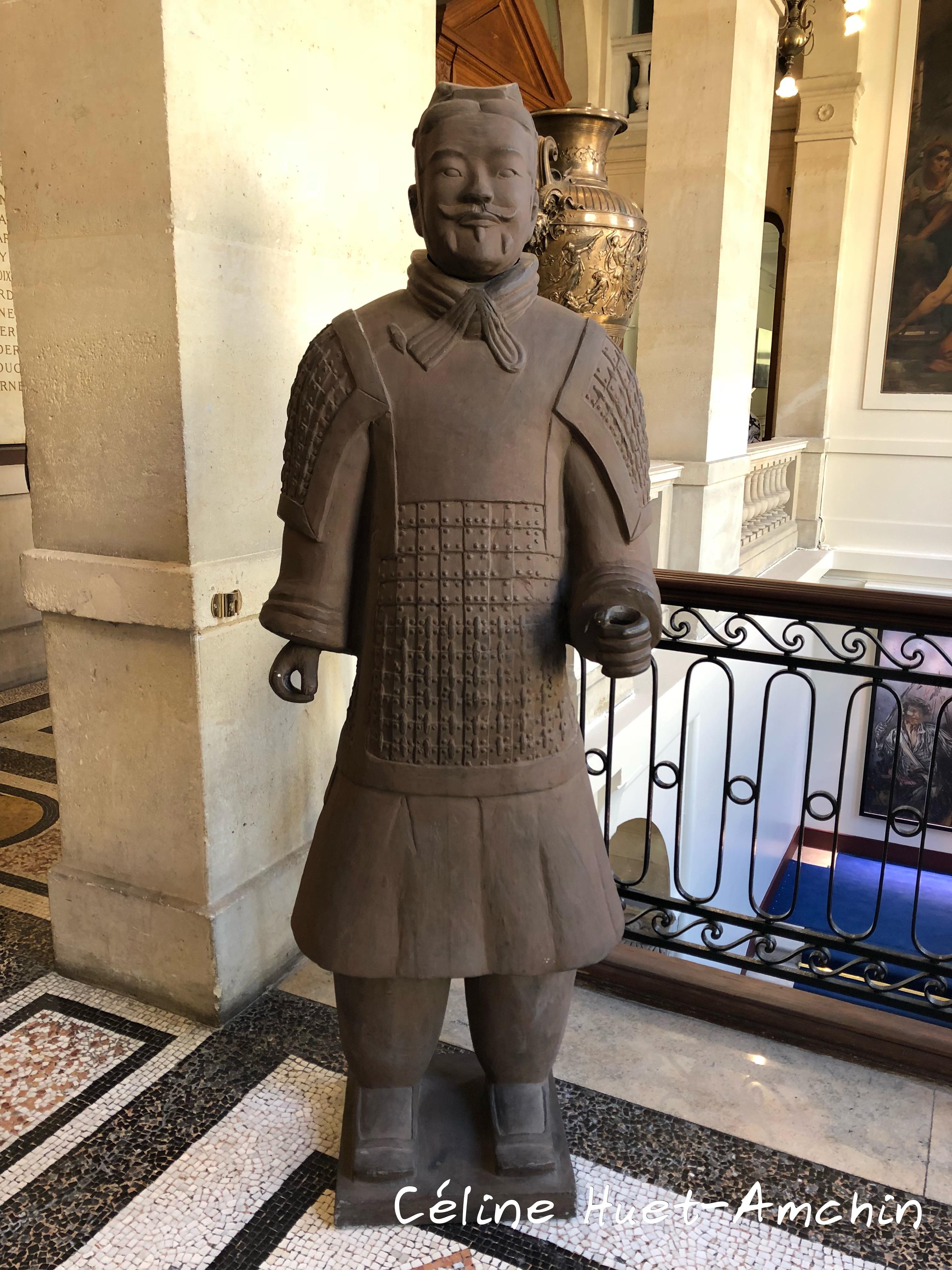 Statut chinoise Mairie du XIIIe Paris