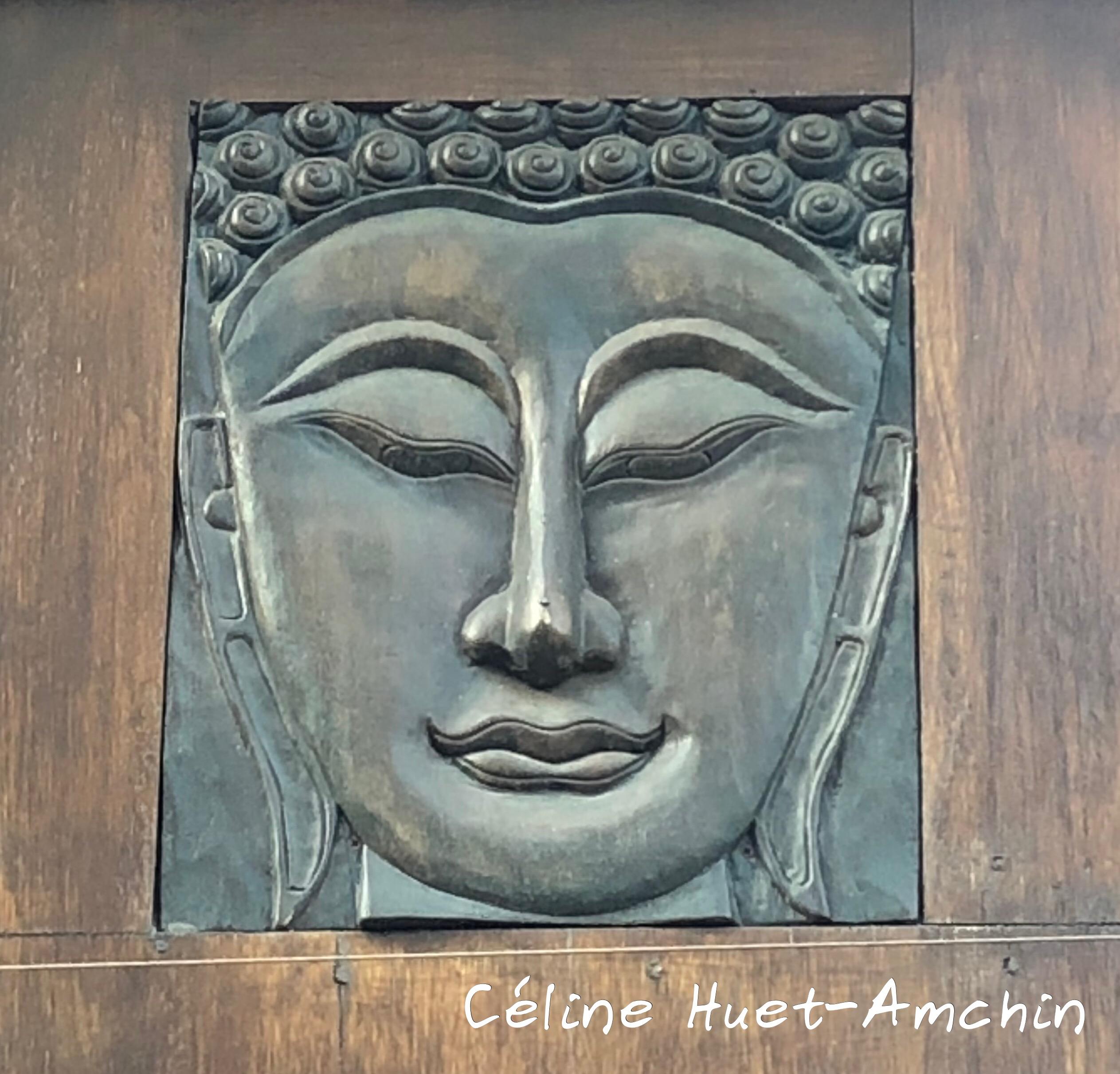 Bouddha dans une rue Paris XIIIe