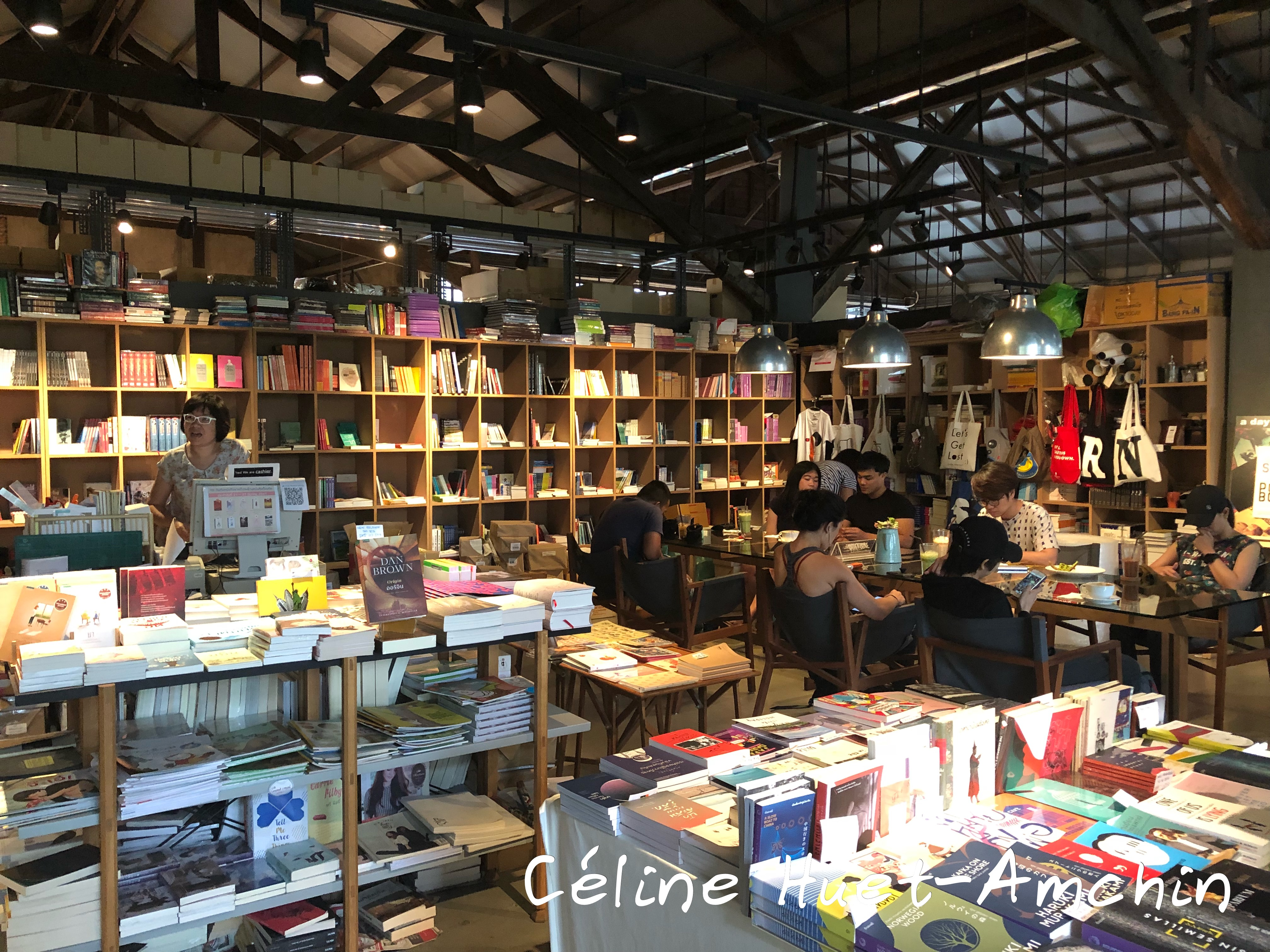 Librairie Candide Books & Café Bangkok Thaïlande Asie