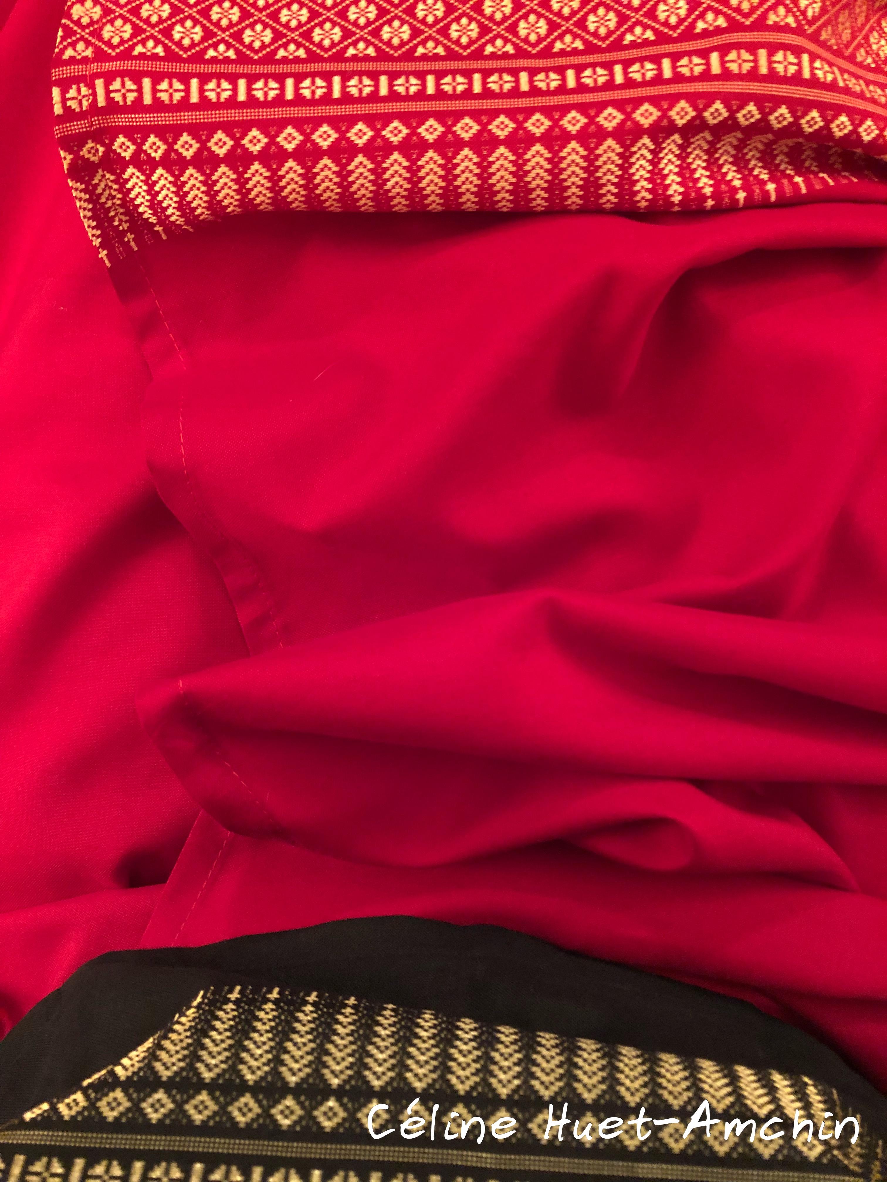 Détails de ma tenue traditionnelle thaï