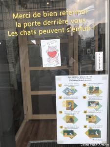 Le Moustache Café Paris