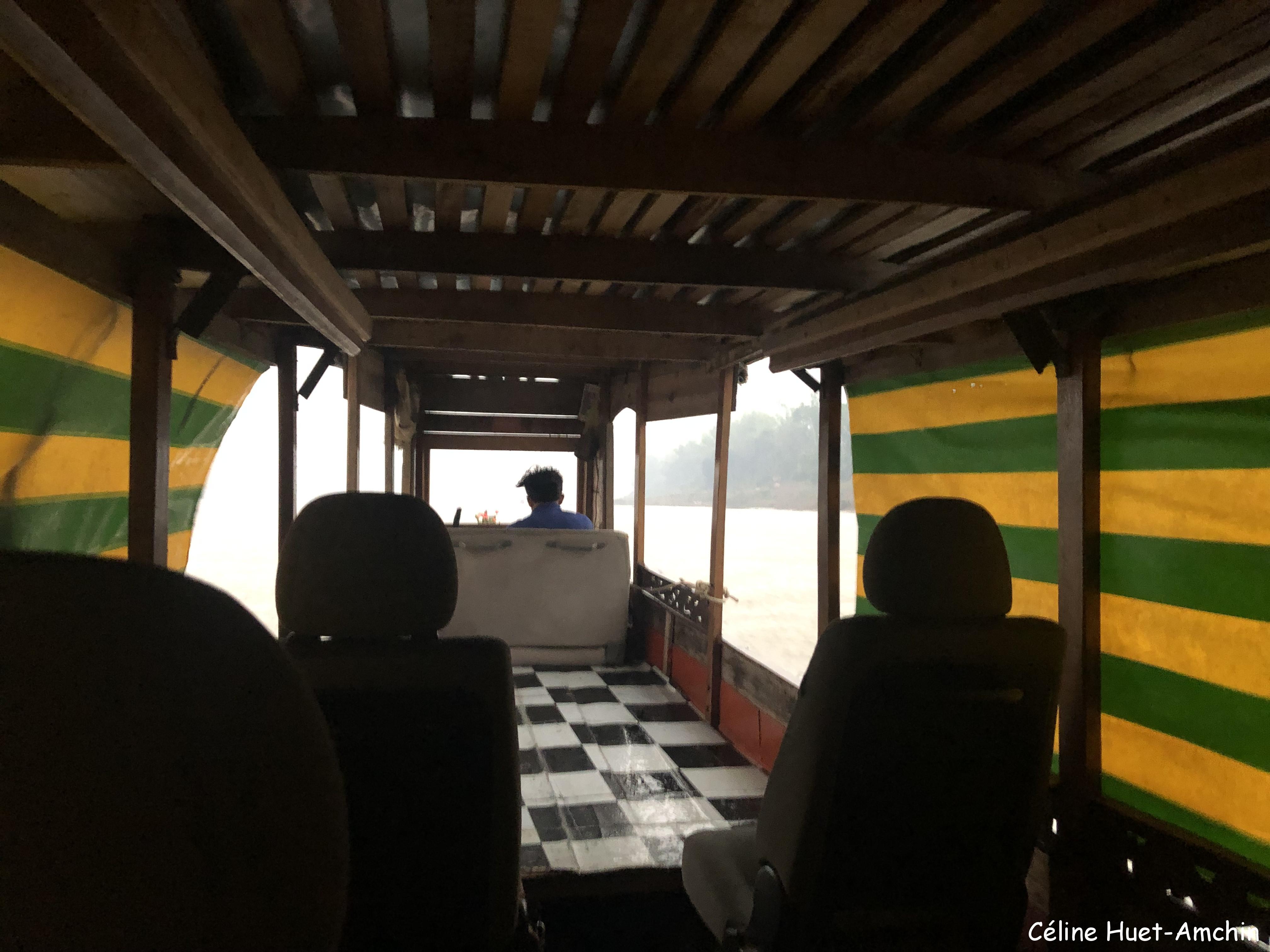 Orage sur le Mékong retour vers Luang Prabang Laos Asie