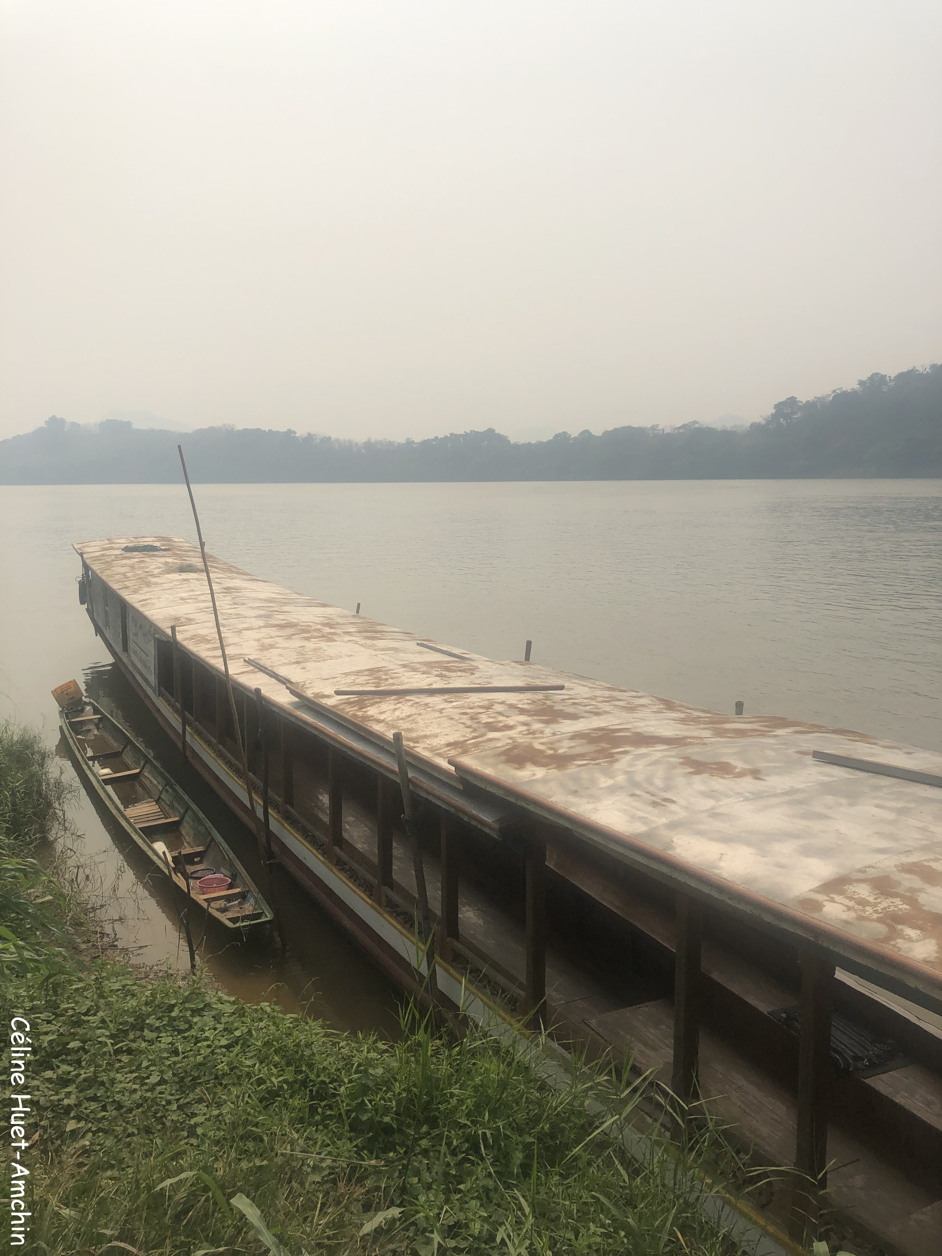 Direction Pha Tad Ke Botanical Garden en bateau sur le Mékong Laos Asie