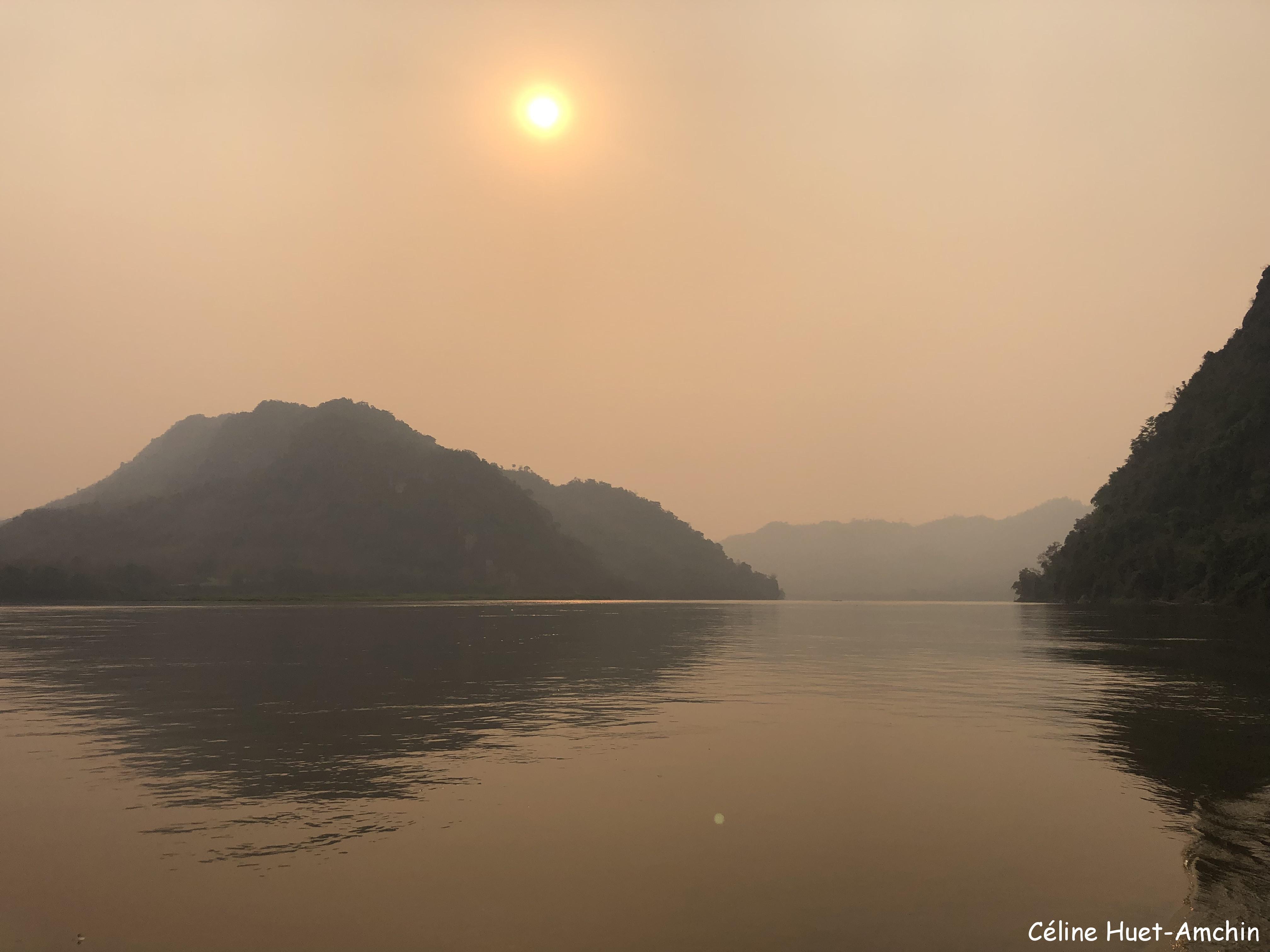 Coucher de soleil Mékong Laos Asie