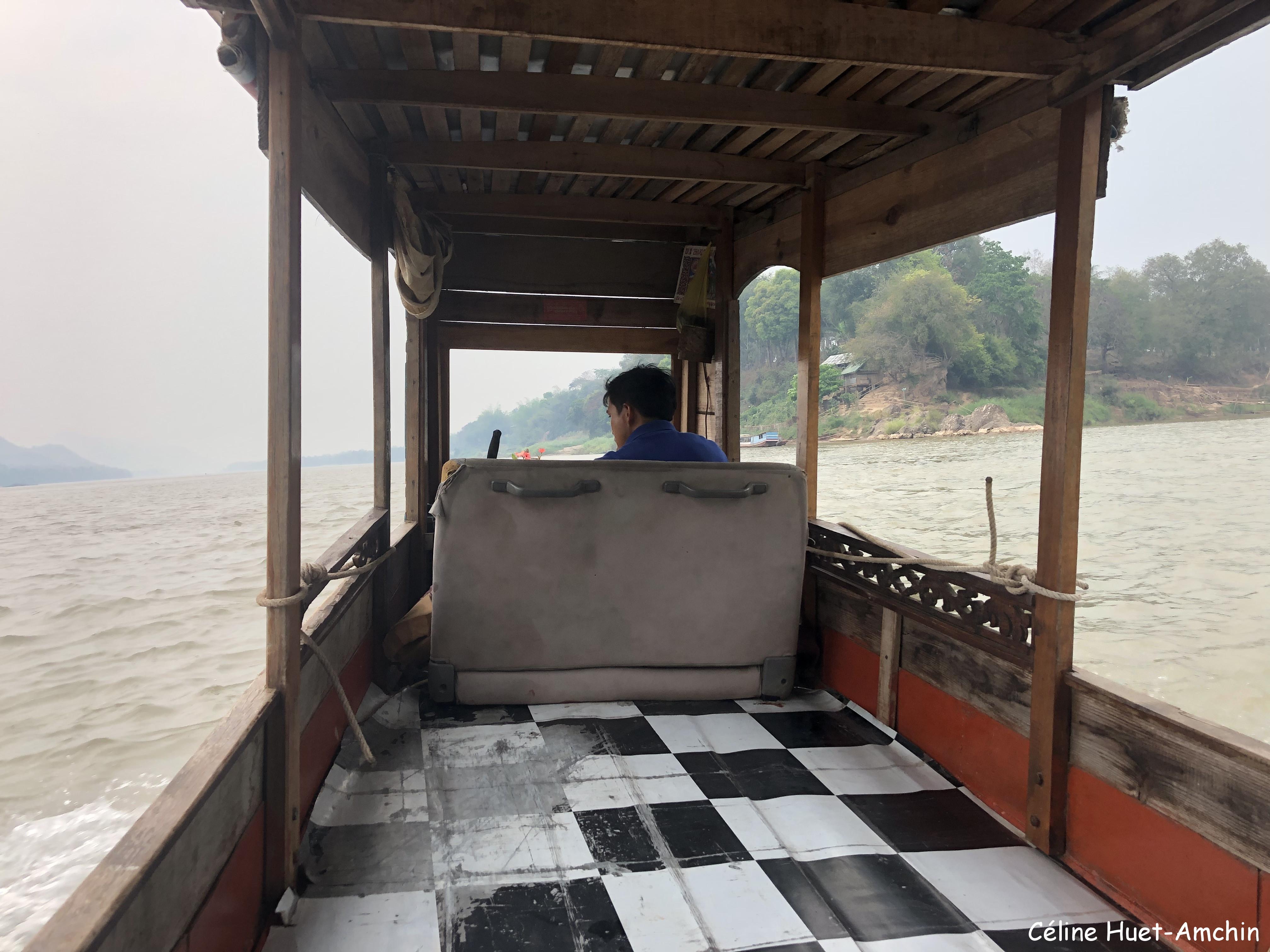 Bateau vers les grottes Mékong Luang Prabang Laos Asie
