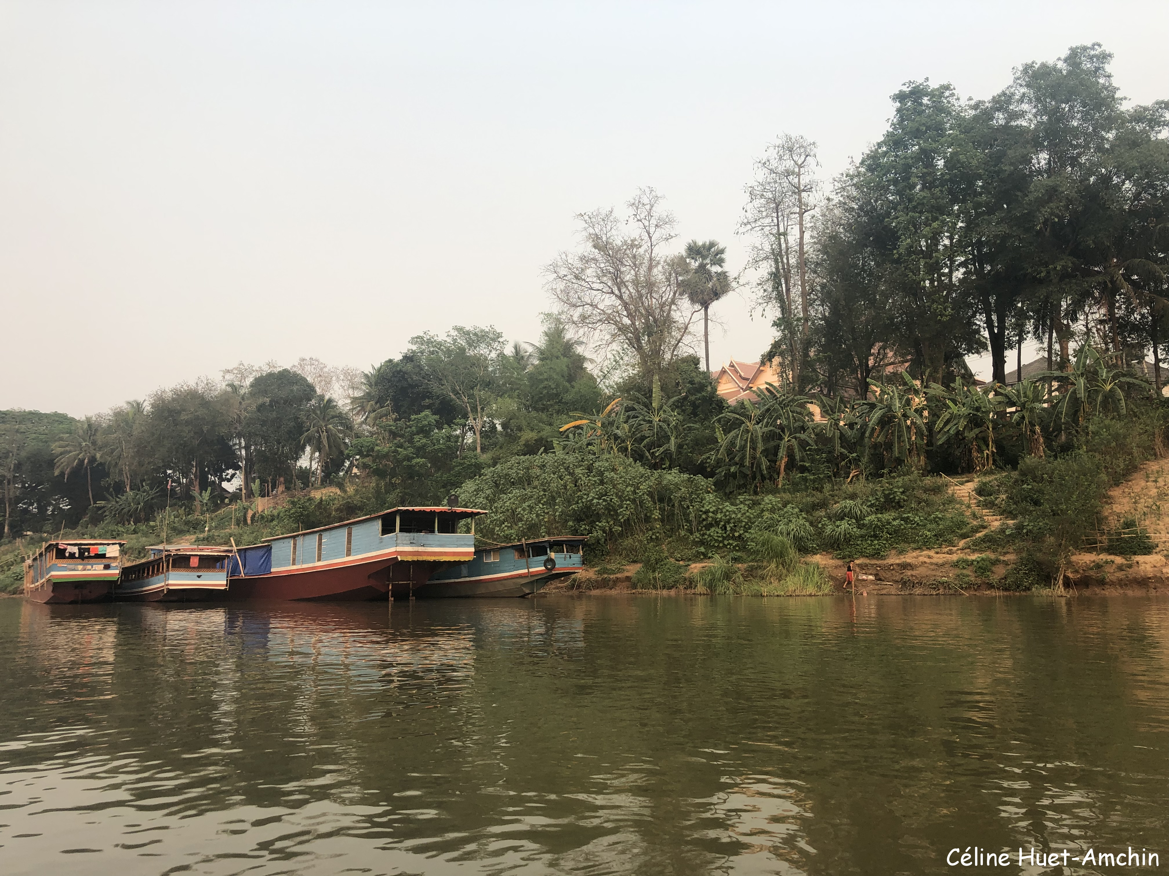 Retour à Luang Prabang depuis Pha Bad Ke en bateau sur le Mékong Laos Asie