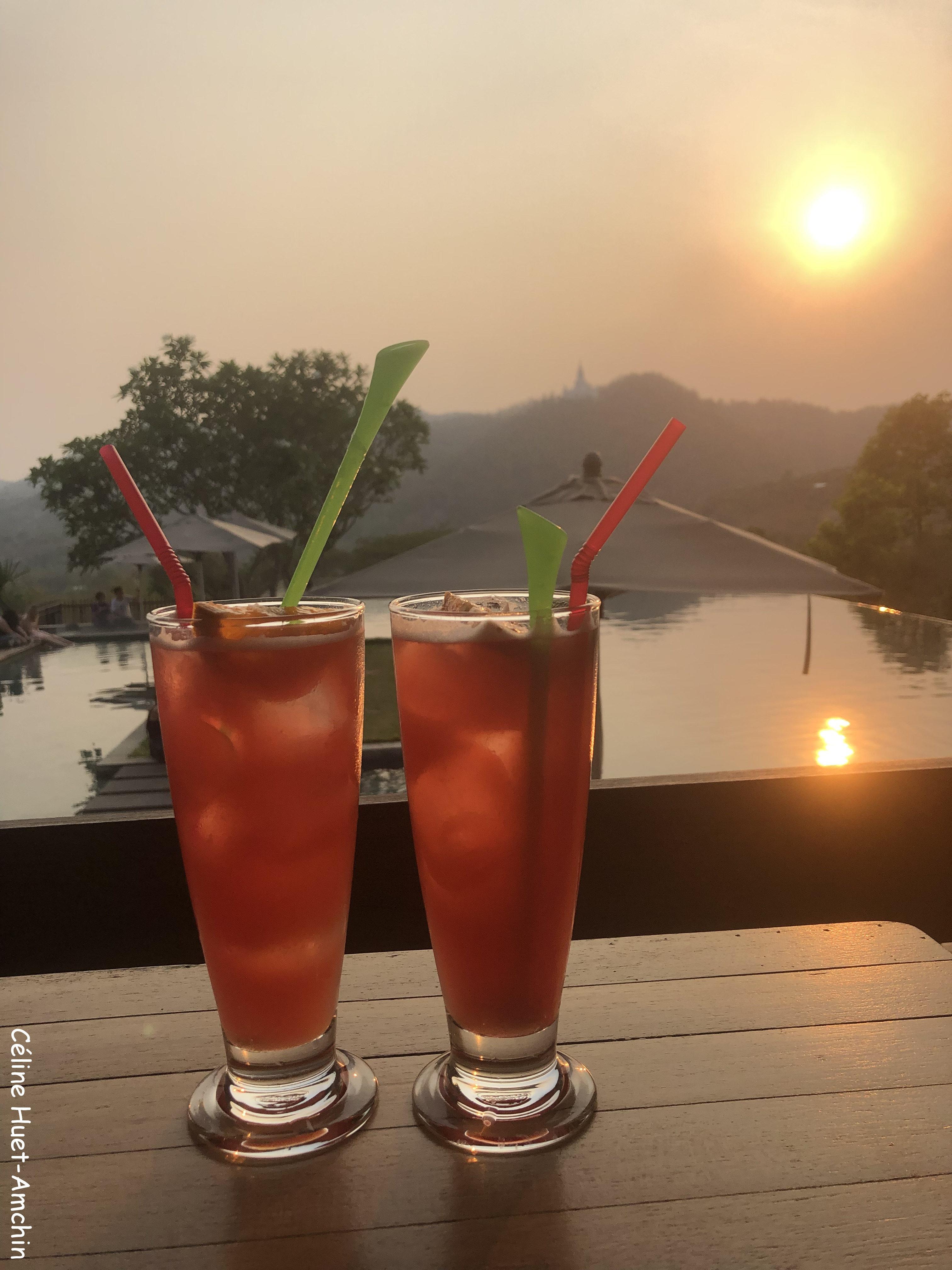 Coucher de soleil piscine 1/3 Hôtel Veranda High Resort Chiang Mai Hang Dong Thaïlande Asie