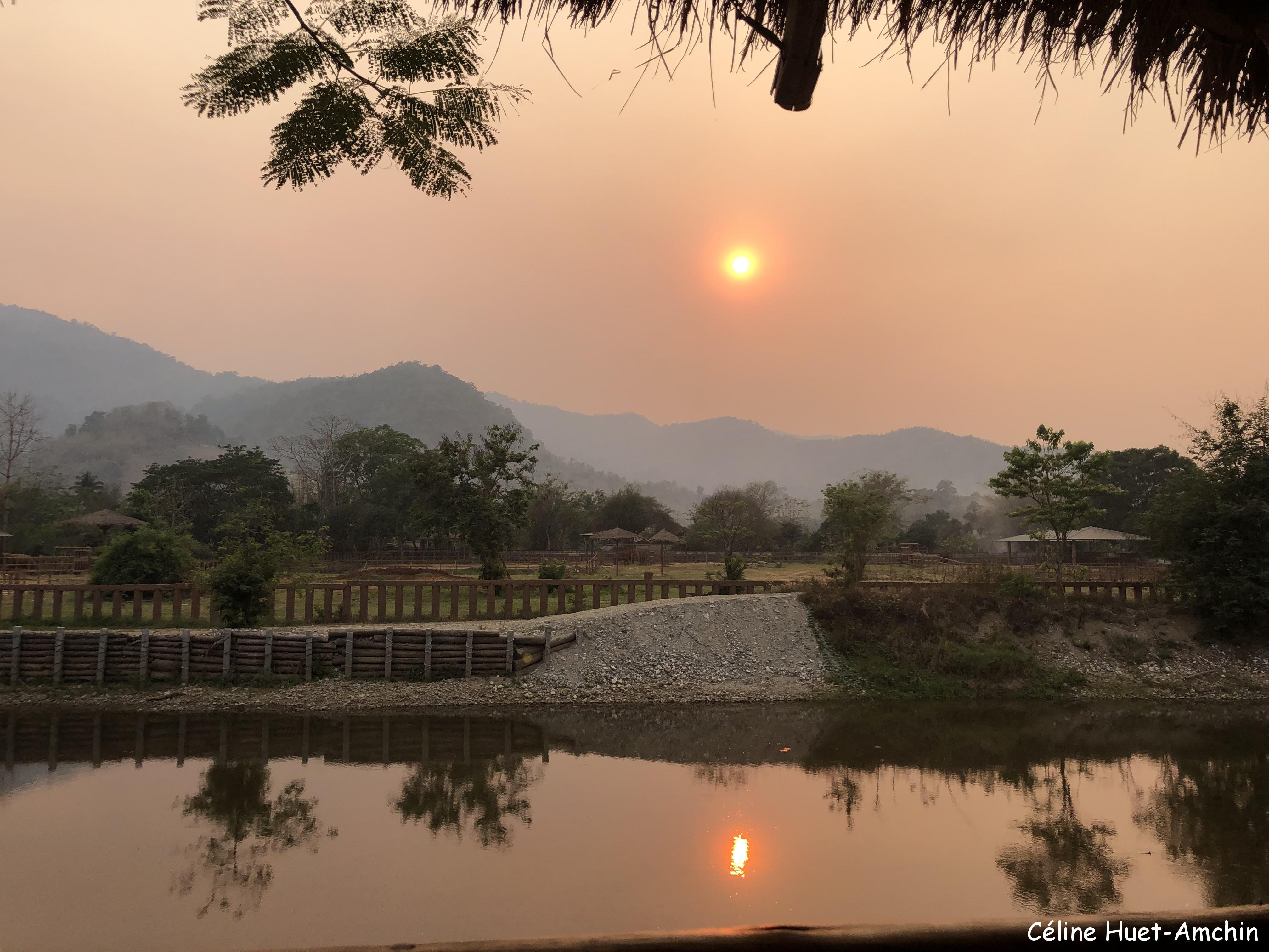 Coucher de soleil Elephant Nature Park Chiang Mai Thaïlande Asie