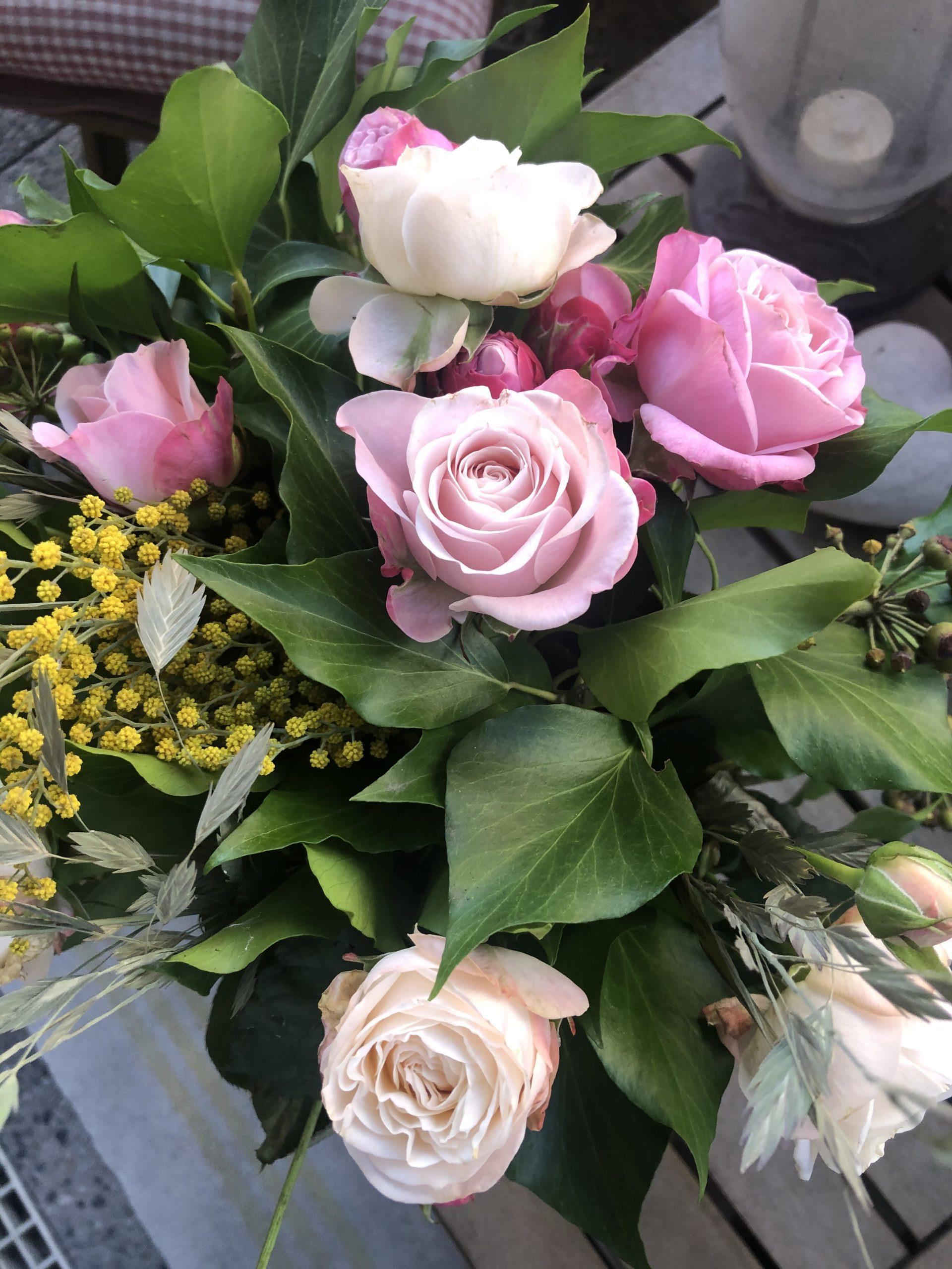 """""""Une fleur est un être entièrement poétique."""" (Novalis)..."""